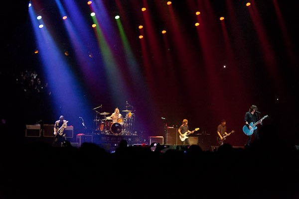 111014_389_FOO_FIGHTERS