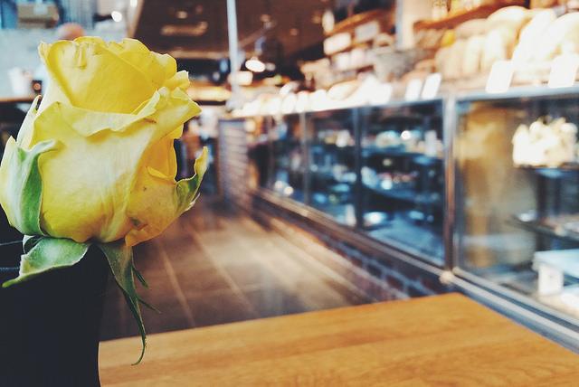 mobilenews-rosesandcoffee2